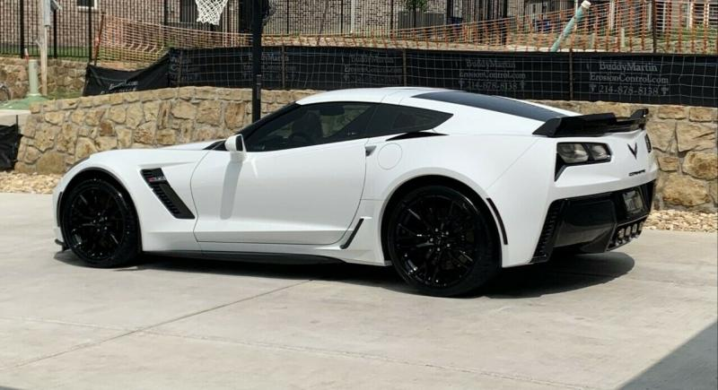 Chevrolet Corvette 2019 White