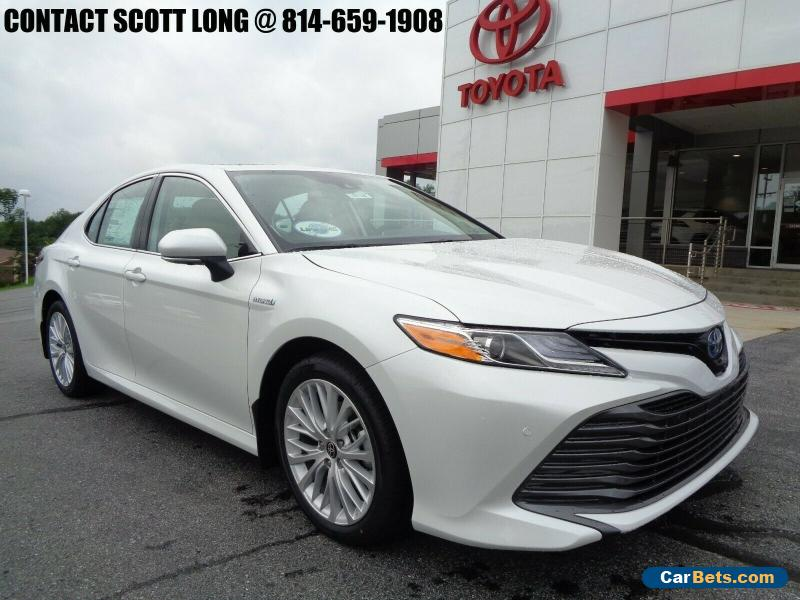 2020 Toyota Camry 2020 Camry Hybrid XLE Wind Chill Pearl for Sale
