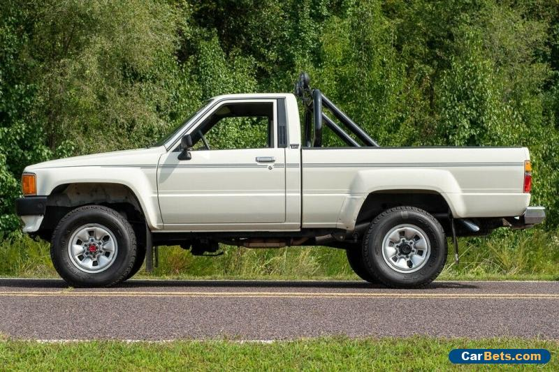 1988 Toyota Hilux Hilux 4x4 Pickup for Sale