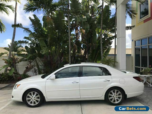 2009 Toyota Avalon XL 1-Owner Clean CarFax Heated Cooled Seats GPS Sunroof for Sale